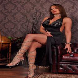 Mistress Carly Kent