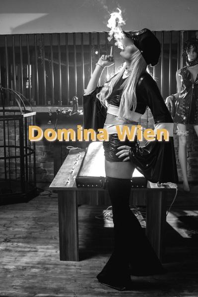 Dominatrix Lady Isa
