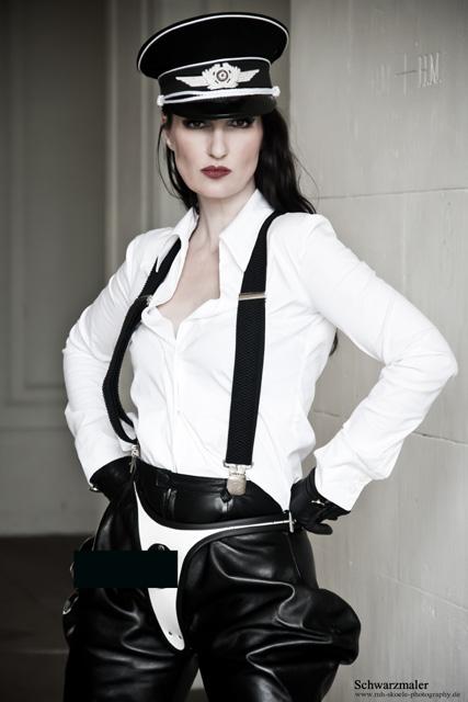 Lady victoria transvestite